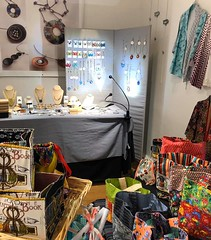 Presented by Cynthia Schoeppel Art (foreground) and Diana Papazian, Papazian Design (background) (Del Ray Artisans) Tags: delrayartisans dra 2019 market event holidaymarket holidaymarket2019weekend2