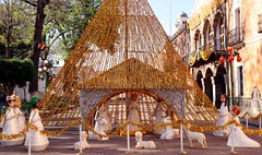 Nativity Scene (Prayitno / Thank you for (12 millions +) view) Tags: nativity natal noel christmas christian icon iconic tlaxcala mx mexico zocalo down town gold color
