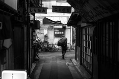four seasons (N.sino) Tags: leica m9 voigtlander ultron35mmf17 tateishi katsushika people fourseasons snac bar alley 立石 葛飾 のん兵衛横丁 春夏秋冬 スナック 居酒屋 おっちゃん