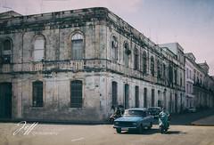 La Havane dans son jus (Jeff-Photo) Tags: america amérique cu cub concepts continentsetpays cuba motsclésgénériques styledevie vintage ameriquedusud lahavane rue street town ville
