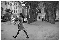 DSCF6354 (srethore) Tags: photo de rue street bw candid people 35mm 7artisans