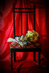 Chaise bouquet_modifié-4 (sombre lumiere) Tags: still life nature morte flowers fleurs chair chaise rouge red