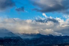 A-0932 (markbyzewski) Tags: sunrise palmerpark colorado coloradosprings tree sun cloud pikespeak mountain grass