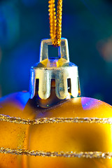 2019-12-n10-0202 (dolphinpix) Tags: xmas christmas tree festive decoration marco zoom close gold sparkle magic magical season gree blue hanging gillitter wonder special