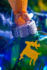 2019-12-n10-0185 (dolphinpix) Tags: xmas christmas tree festive decoration marco zoom close gold sparkle magic magical season gree blue hanging gillitter wonder special