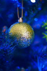 2019-12-n10-0128 (dolphinpix) Tags: xmas christmas tree festive decoration marco zoom close gold sparkle magic magical season gree blue hanging gillitter wonder special