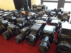 Kamerabörse Köln (rainer.marx) Tags: porz elzhof analog film kameras mittelformat 6x6 120 rollfilm