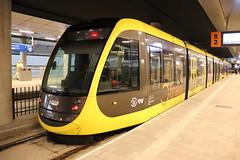 CAF 6009 + 6021 te Utrecht Centraal 14 december 2019 (Remco van den Bosch 72) Tags: utrechtcentraal strassenbahn strasenbahn tram lijn22 uithoflijn caf uov 6009 utrecht rails publictransport reizigers passagiers netherlands nederland halte 6021