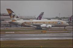 A6-APH Airbus A380-861 Etihad Airways (elevationair ✈) Tags: lhr egll london heathrow airport londonheathrow england uk unitedkingdom avgeek aviation airplane plane aircraft longhaul airbus a380 a388 aibrusa380861 whale doubledecker etihad airways etihadairways a6aph