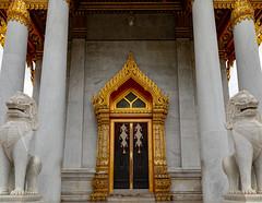 Wat Benchamabophit - Marble Temple (grab a pic) Tags: canoneos5dmarkiv canon eos 5d grabapic bangkok bangkokmetropolitanregion thailand 2019 watbenchamabophitdusitvanaram marbletemple buddhist temple building architecture door