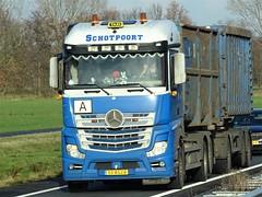 Mercedes-Benz Actros MP4 drawbar from Schotpoort Holland. (capelleaandenijssel) Tags: 53bgj8 truck trailer lorry camion lkw container netherlands nl eerbeek
