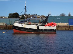 LA VAGABONDE DES MER:EX (TONTON LOM)  (MMSI: 232004735)  (J612) vivier-crabber, Call Sign:  MJGR3 Built 1961 Audierne France (guyfogwill) Tags: associatedbritishports autumn bateau boat boyant coastline december europe fisherman fishing flicker greatbritan guyfogwill marine nautical river riverteign ship sony southwest teignestuary teignbridge teignmouth teignmouthapproaches tq14 uk devon unitedkingdom