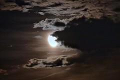 Lune et nuages (yanngayon) Tags: lune moon nuages night nuit sky light