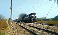 IMG_20191210_102330_880 (jk5917887) Tags: diesel locomotive wdm3a indian railways bwn