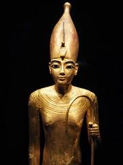 Tutankhamen Exhibition III (Feldore) Tags: london tutankhamun archaeology egypt egyptian feldore mchugh em1 olympus 1240mm statue saatchi gallery exhibition gold golden