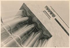 MAS - Architekturstudie II (Uwe Kielas) Tags: analog film ilfordhp5 moerschefd schwarzweiss blackwhite agfarecordrapid se5 lith lithprint selentonung leica m6 elmarit 2824 antwerpen mas architektur silbergelantine barytprint