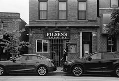 W 18th Street, Pilsen, Chicago. 2019/172 (Postcards from San Francisco) Tags: m6 50mmcarlzeissjenasonnar trix rodinal yellowfilter film analog chicago