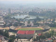Madagascar  Antananarivo  Le stade et la pollution. (dadie92) Tags: madagascar mai2008 canonpowershot danieldanel