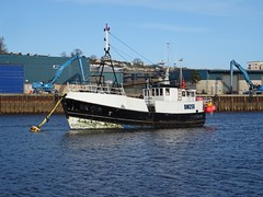 FV HELEN CLAIRE. BM258 (Ex Marie Claire CM 231635) - Fishing Vessel (MMSI: 235003355) Call Sign: 2BRL (guyfogwill) Tags: 1959 2019 2brl a14921 associatedbritishports autumn backbeach bateau bateaux bm258 boat boats bouys boyant camaret camaretsurmer coastal coastline december devon dschx60 england europe fisherman fishing fishingboat fishingvessel flicker fogwill france gb gbr greatbritan guy guyfogwill helenclaire langoustier marine mmsi235003355 nautical river riverbeach riverteign ship sony southwest teignestuary teignbridge teignmouth teignmouthapproaches tq14 uk unitedkingdom viviercrabber workboat