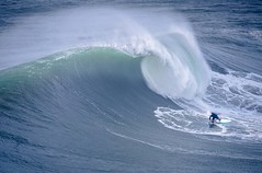 Nazaré Big Wave Surf - Portugal ( Jean-Yves JUGUET ) Tags: surf surfing surfeur surfrider ocean atlantic atlantique beach blue plage sun jeanyvesjuguet regardsdumonde mémoiredespierres bigwave wave grossevague vague nazaré sitio portugal water eau carnevaledivenezia horizonsceltiques swell extrem sportextrem action jetski wipeout playa oceano rider canon agua mar extremo atlantico fotografo surfero waves ondas sea sports coast moana 海の沿岸をサーフィンスポーツ pipe jaws teahupoo hawai hawaï mavericks tahiti wsl bigwavetour nazaréchallenge peahi mullaghmore ireland irlande pacifique pacific belharra big bigdrop worldsurfleague sportsextremes redbull pipeline surferline bresilien bresil brasil