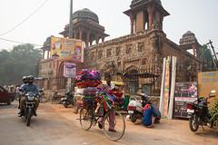 8H5A2617 (vsokolovru) Tags: india delhi november 2019 streetlife streetphotography sikh muslim tea mughal