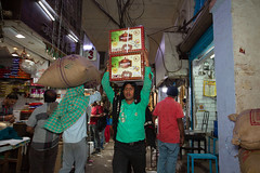 8H5A2182 (vsokolovru) Tags: india delhi november 2019 streetlife streetphotography sikh muslim tea mughal