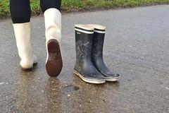 340 -- White wellies from Hevea -- Rubberboots -- Gummistiefel --Hevea Regenlaarzen (HeveaFan) Tags: rubberboots rubberlaazen 在泥里的靴子橡胶 kaplaarzen ゴム長靴 gummistiefel 威灵顿长靴 stiefel stivali stövlar ブーツ dunlop hevea aigle ripped wornout rainboots regenlaarzen wellies bottes wellworn caoutchouc galoshes wreckled trashed regenstiefel waterlaarzen soles tuinlaarzen loch leaky damaged trouée undicht versleten laarzen wellington kaput mud boue fertig riss gomma trou abgelatscht kaputt lek gumboots boots bottas vredesteinlaarzen vredesteinwellies vredesteinstiefel