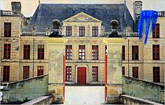 Château d'Oiron, Oiron, Deux-Sèvres, France (claude lina) Tags: claudelina france architecture château castle deuxsèvres oiron châteaudoiron