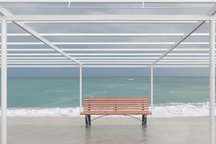 Omaggio a Luigi Ghirri (mariateresa toledo) Tags: panchina bench mare sea pioggia rain sonynex7 sonnarte1824 mariateresatoledo dsc07117