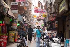 8H5A2928 (vsokolovru) Tags: india delhi november 2019 streetlife streetphotography sikh muslim tea mughal