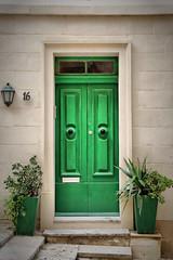 Nr. 16 (Siuloon) Tags: malta valletta architektura architecture architettura wall window door green canon tamron vacation holiday doors outdoors architetura architectural