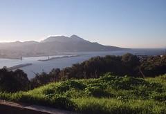 01/01/2K5 Ceuta et son port (Dust.....) Tags: maroc morocco marruecos voyage paysage photodepaysage montagne photodemontagne mer merméditerranée méditerranée ceuta marocespagnol