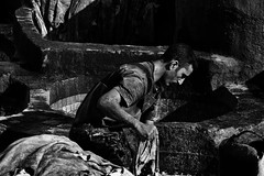 Chouara Tannery's Worker (3) (FraConti84) Tags: fez fezmedina morocco africa biancoenero blackandwhitephotography portraiture portrait blackandwhiteportrait hardwork canon peopleportrait worldportraits chouaratannery