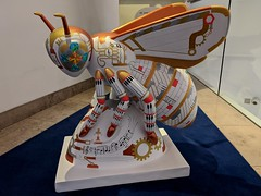 Manchester bee sculpture inside Bridgewater Hall (stillunusual) Tags: manchester mcr city england uk bee manchesterbee beeinthecity art artwork publicart contemporaryart modernart statue sculpture 2019