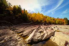 Autumn colors (corineouellet) Tags: trees beauty cliff bluesky quebec canada forest forêt paysage landscaping landscape nature canonphoto colors automne autumnvibes autumncolors autumn