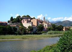 Ventimiglia - Vintimille (Maxofmars) Tags: europe europa ville city ciudad città stadt cidade stad italie italia fleuve rio river fiume fluss roya
