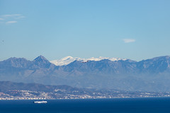 Flying In and shipping out (eskippyskip) Tags: shipping aircraft flight geardown merchant vessel ship ryanair montesdemalaga montes sierra sierranevada spain andalucia andalusia andalusien sea mar mountains panorama sky weather travel tourism holiday