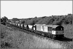 58029, Claydon (Jason 87030) Tags: coal fuel mgr oxon oxforshire spot popular past bw bbw bnw lineside shot black white noir blanc batman 58029 diesel engine loco locomotive railfreight sector britishrail class58