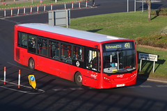 YX12 GHF, Southern Perimeter Road, London Heathrow, February 24th 2019 (Southsea_Matt) Tags: yx12ghf 8791 route490 abellio enviro200 e200 adl alexanderdennis hattoncross greaterlondon england unitedkingdom february 2019 winter canon 80d bus omnibus vehicle transport