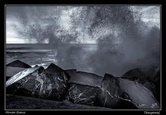 Temporal (Montse Estaca) Tags: españa spagna spain euskadi donostia gipuzkoa paísvasco guipuzcoa escollara olas oleaje tides mar mare sea marcantábrico stones temporal agua acqua water bn bw bianco blanco black negro nero white breakwater waves onde gale storm fujixt1 fuji fotografíaurbana fotografíadepaisaje urbanlandscape urbanphotography