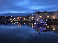 Martigues by night (Nature Box) Tags: provence martigues venise night bateau noël christmas nuit réflexion