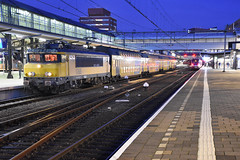 NSR 1768 and DDM set 7208 at Amersfoort, December 15, 2019 (cklx) Tags: 1768 ddm1 dubbeldekkers dubbeldekker bilevelcars excursion nvbs 1700 ns nederlandse spoorwegen