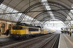 NRS 1768 and DDM at Zwolle, December 15, 2019 (cklx) Tags: 1768 ddm1 dubbeldekkers dubbeldekker bilevelcars excursion nvbs 1700 ns nederlandse spoorwegen