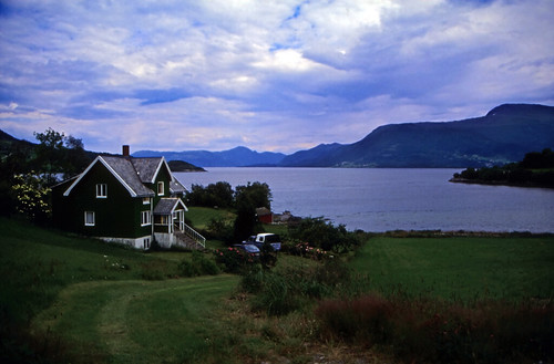 """Norwegen 1998 (418) Moldefjord • <a style=""""font-size:0.8em;"""" href=""""http://www.flickr.com/photos/69570948@N04/49223702247/"""" target=""""_blank"""">View on Flickr</a>"""