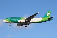 EI-DEI Airbus A320-214 Aer Lingus (R.K.C. Photography) Tags: eidei airbus a320214 a320 aerlingus shamrock irish irishrugbyteam ei ein aircraft aviation airliner london england unitedkingdom uk 27r londonheathrowairport lhr egll canoneos750d