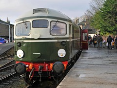Topping: Ready for the off (jlw0414) Tags: brechin angus scotland unitedkingdom diesel bobo class26 caledonianrailway d5314 26014