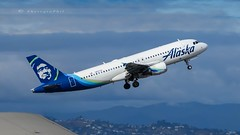 ALASKA AIRLINES A320-214 (lavierphilippephotographie) Tags: alaskaairlines n837va lax la klax losangeles avion plane airplane aircraft airline airliner airbus airbusindustries a320 a320214 spotter spotting planespotter planespotting