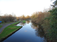 Canal seen from Cowling Road, Chorley, 2019 Dec 09 (Dunnock_D) Tags: britain chorley england gb lancashire uk unitedkingdom blue canal footpath grass green path sky trees water