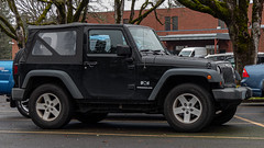 Jeep Wrangler (mlokren) Tags: 2019 car spotting photo photography photos pic picture pics pictures pacific northwest pnw pacnw oregon usa vehicle vehicles vehicular automobile automobiles automotive transportation outdoor outdoors fca mopar chrysler jeep wrangler black