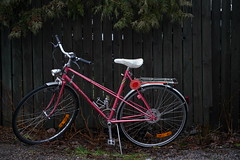 Forgotten bicycle (Henry Söderlund) Tags: sigma2470mm28 sigma sigma2470 sample images test photos lowlight street helsinki finland bokeh sigma2470mm28art sharpness vignetting distortion sonyfe sonye sony